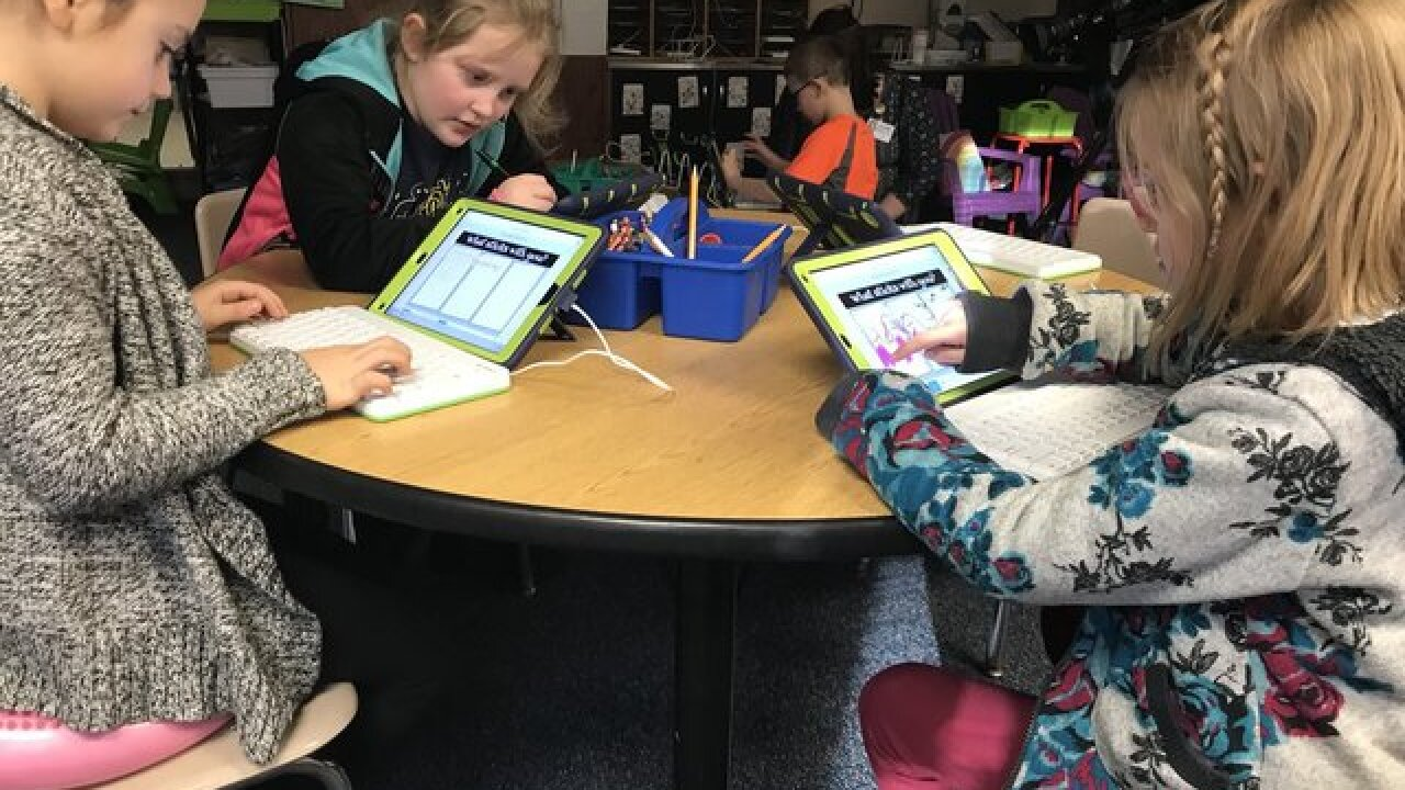 SeeSaw app updates parents on kids' school work