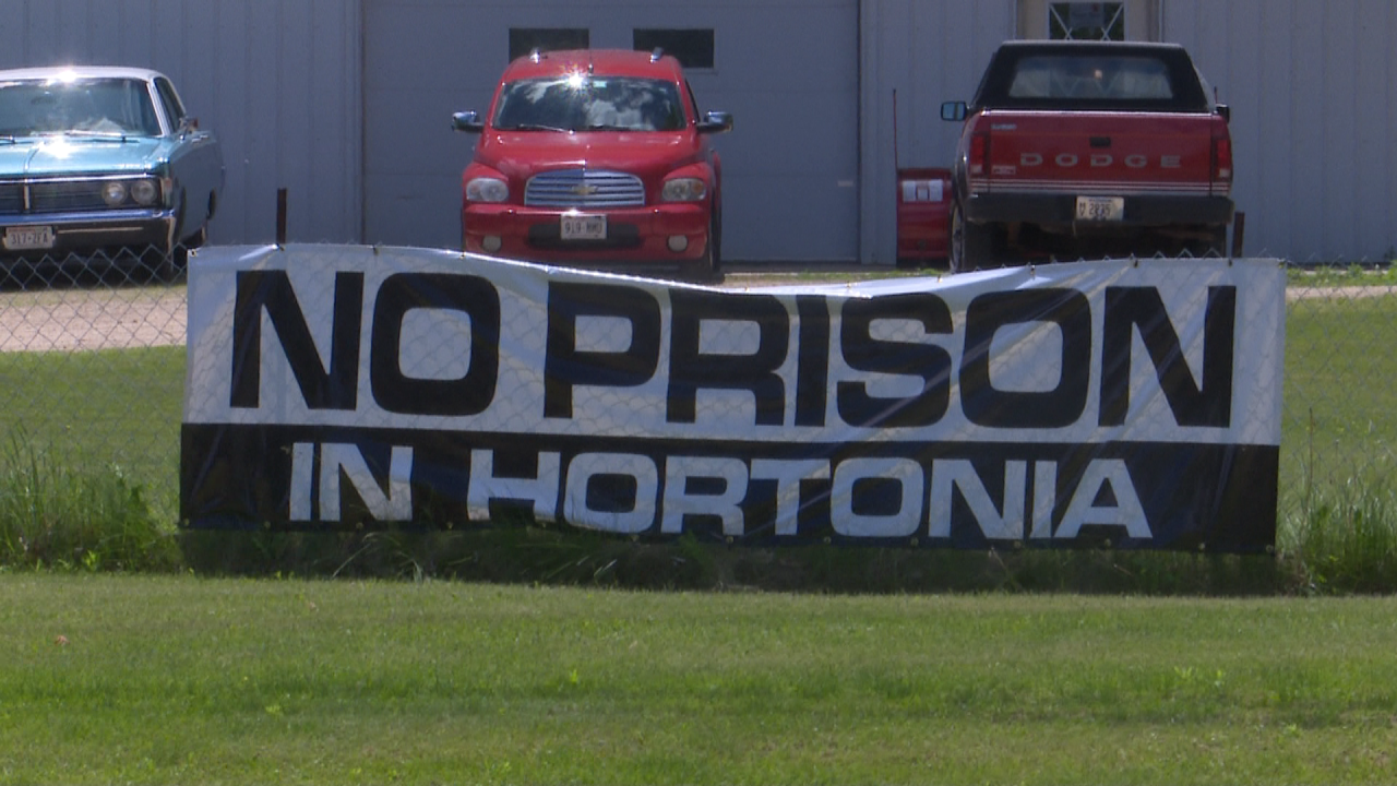 Hortonia Prison sign.png