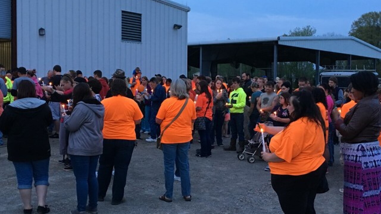 Vigil aims to drive away darkness in Pike County