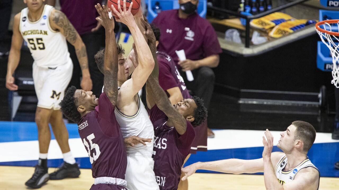 Hunter Dickinson NCAA Michigan Texas Southern Basketball