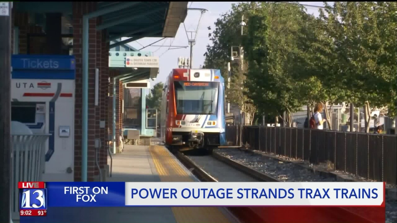 Commuters stranded in hot, crowded Trax trains