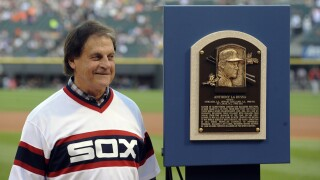 White Sox reunite with La Russa, hire Hall of Fame manager