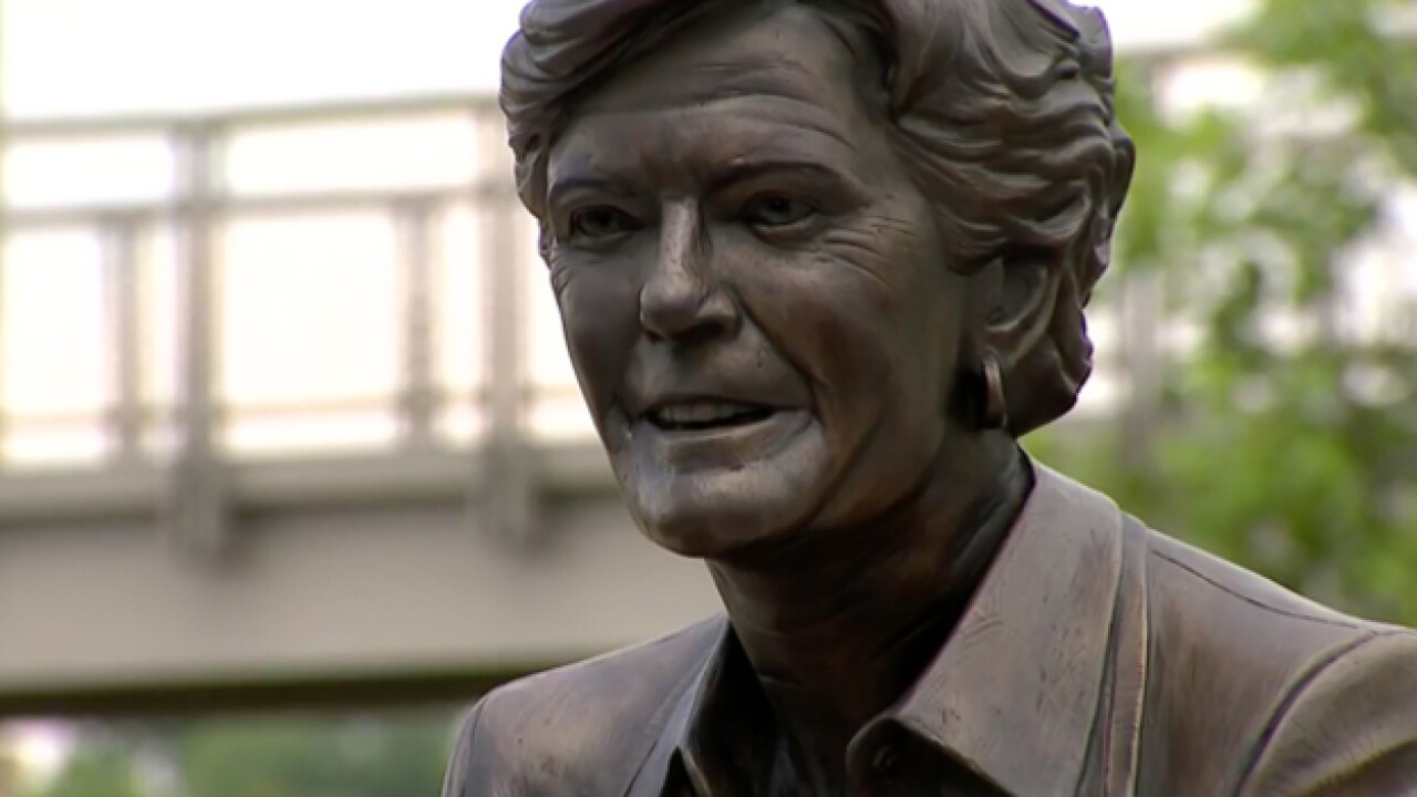 Pat Summitt Honored In Clarksville Statue Dedication