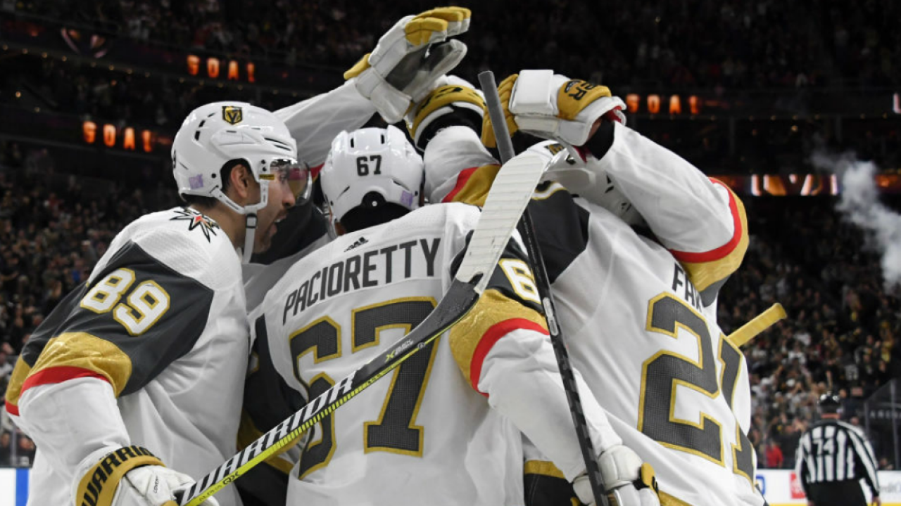 Vegas players celebrate with Alex Tuch