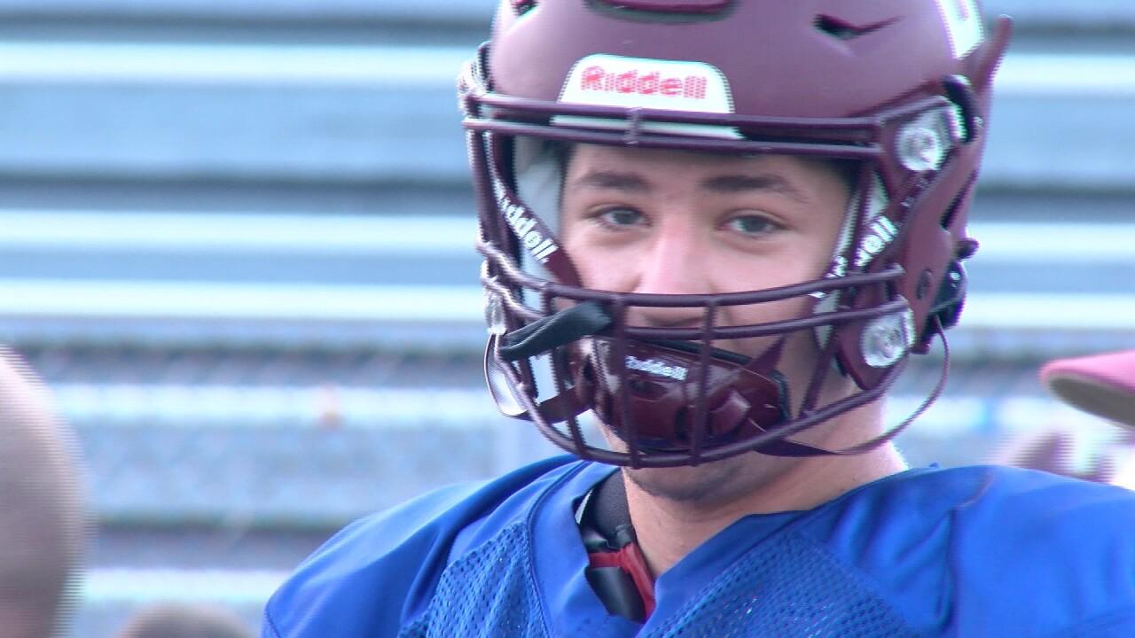 Nash Villegas Flour Bluff football.jpg