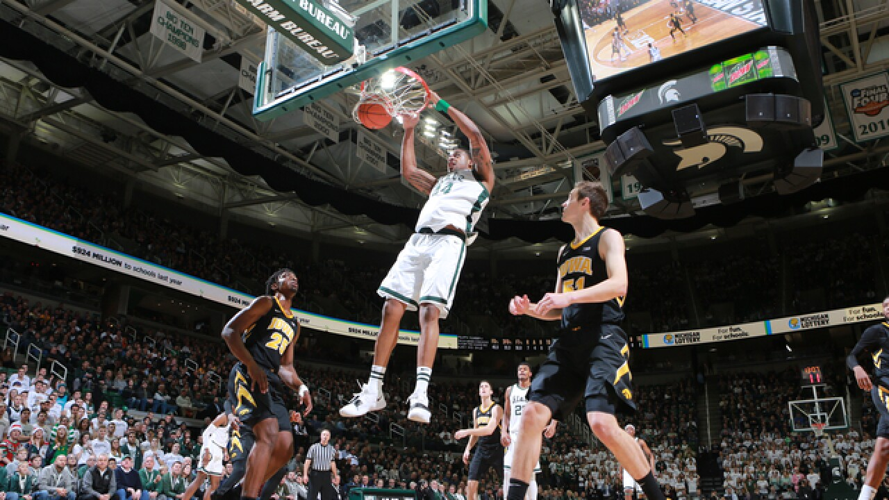 Nick Ward scores 26, No. 10 Michigan State beats Iowa