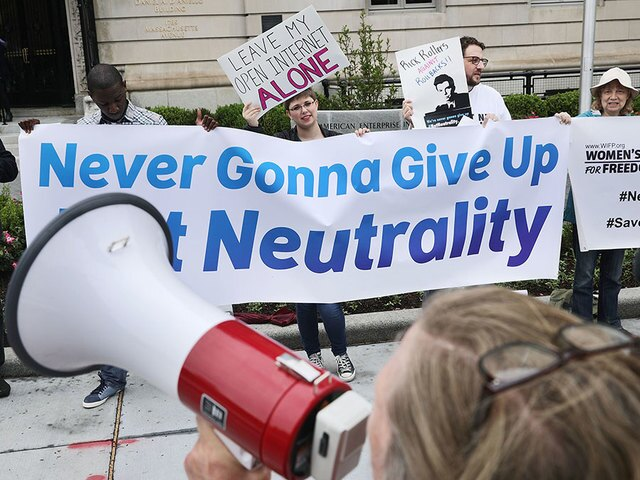 Net neutrality vote's major players