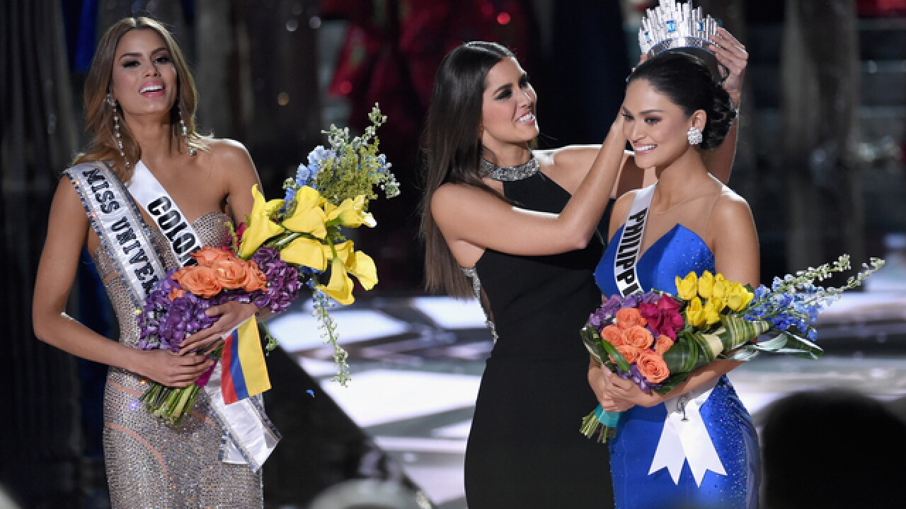 Steve Harvey crowns wrong Miss Universe