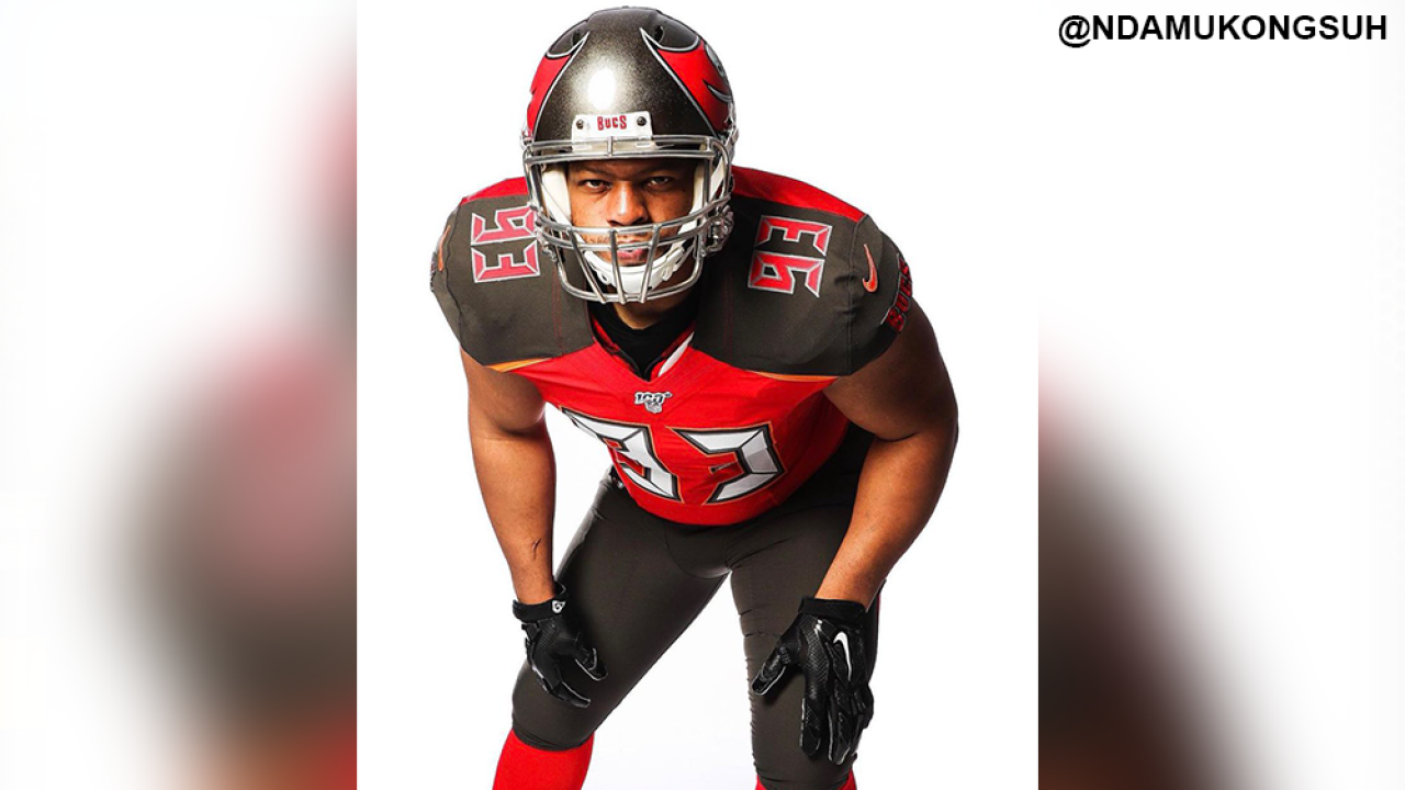 f56eb22b Ndamukong Suh practices with Buccaneers for first time