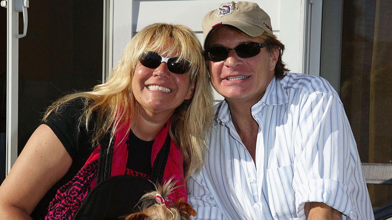 Jason Binn Hosts Hamptons Party With Star Jones And Bobby Flay