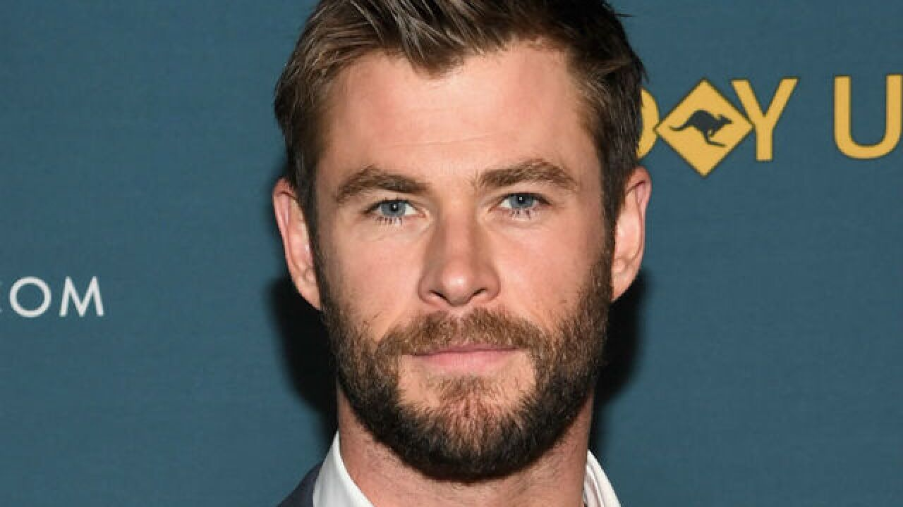 'Avengers' star Chris Hemsworth to wave green flag at Indy 500