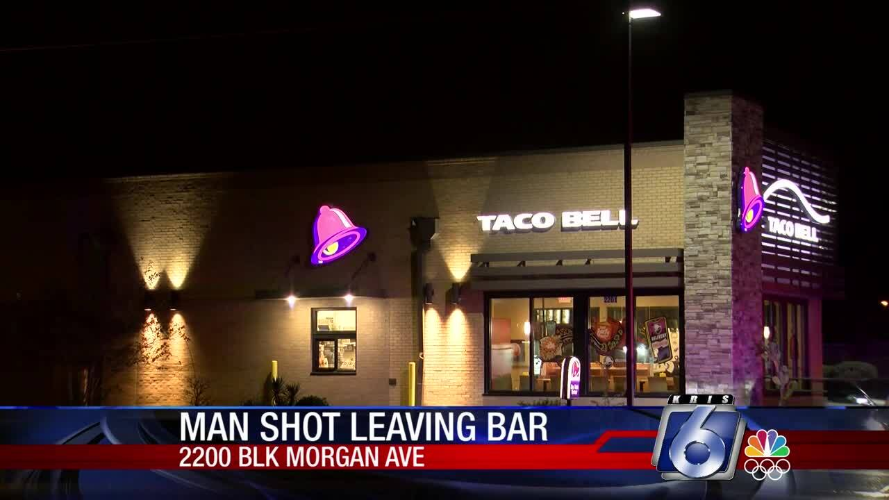 Man shot at bar before arriving at Taco Bell for help