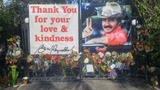 Memorial to Burt Reynolds continues to grow