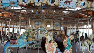 Carousel3.jpg