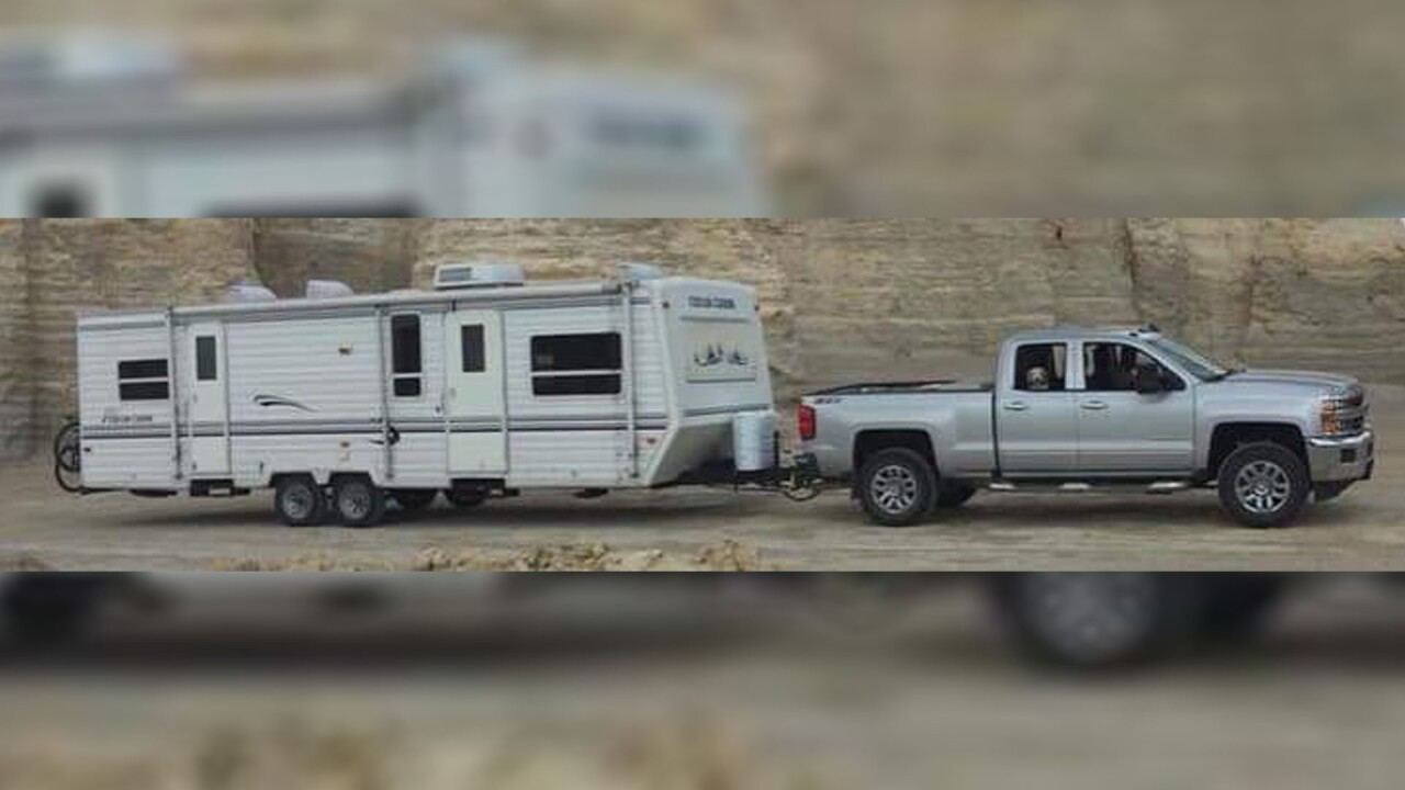 COUPLE'S TRAILER AND TRUCK.jpg