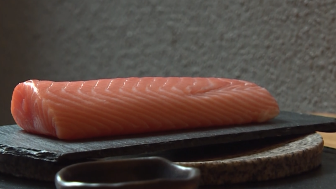 Smoked salmon recalled over botulism concerns