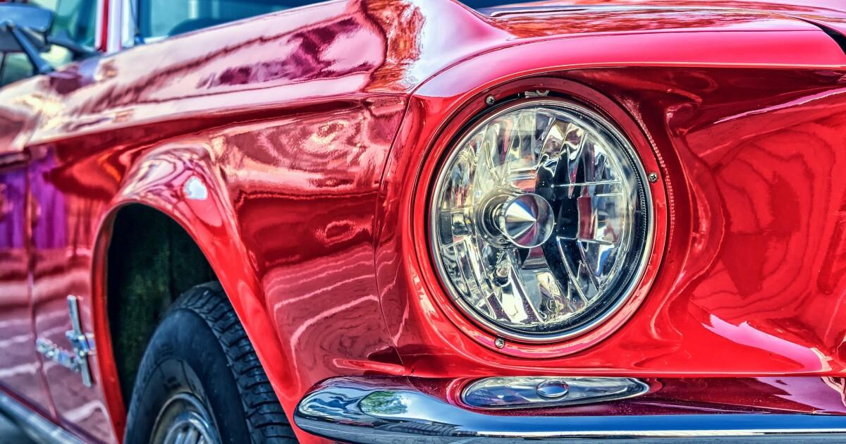 Vintage cars, live music at Viva Las Vegas