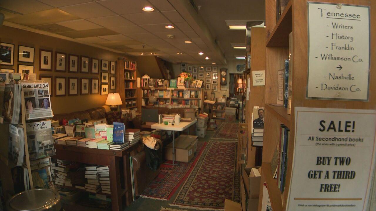 AM Amy Franklin Bookstore Help PKG.transfer_frame_390.jpeg