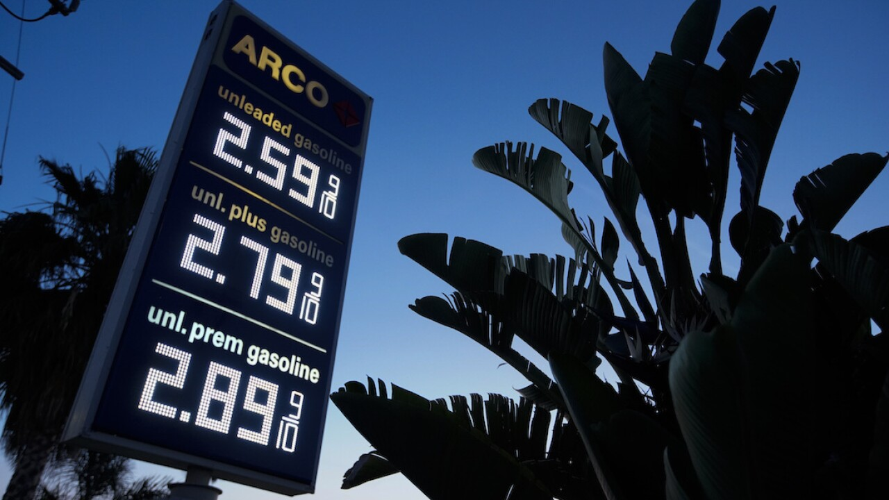 Gas prices on Labor Day lowest since 2004
