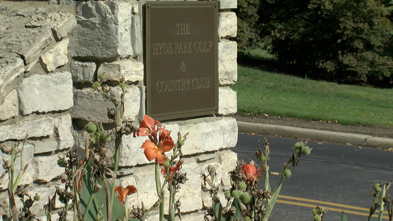 The entrance to Hyde Park Golf and Country Club.