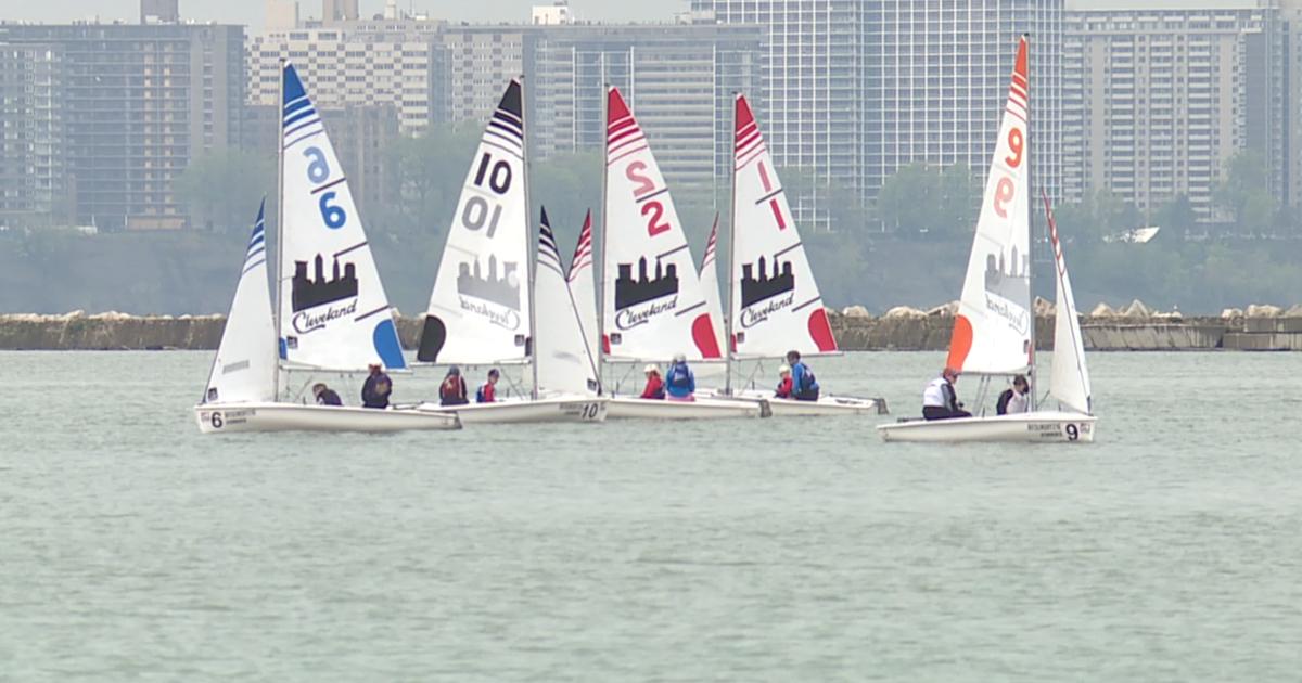 Sixteen high school sailing teams take to Lake Erie for spring regatta