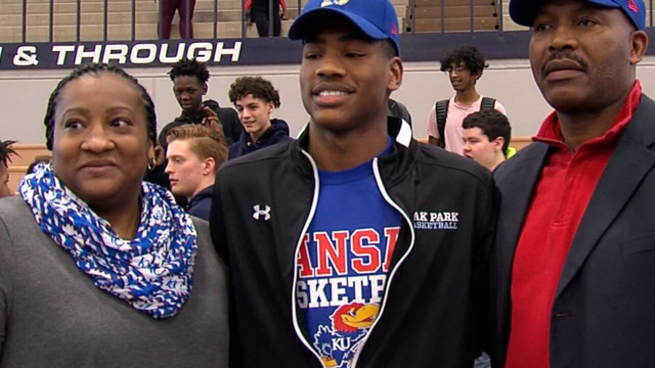 Oak Park's Agbaji commits to Kansas