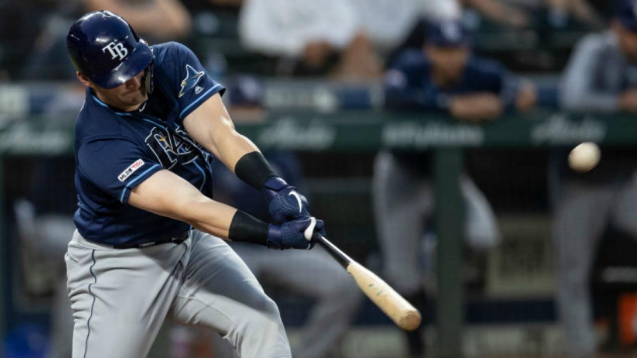 Mike Zunino hits a three-run home run