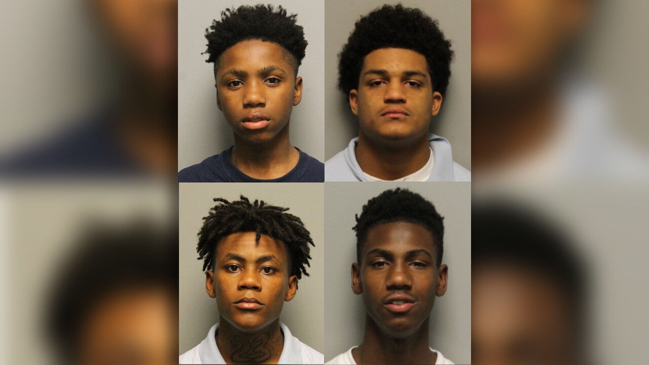 Tennessee police searching for 4 juvenile escapees, 2 of them accused murderers