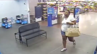 woman-steal-cigarettes-from-winter-haven-walmart-71719.png