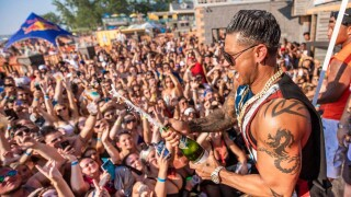 It's t-shirt time! 'Jersey Shore' star DJ Pauly D to perform in Irving
