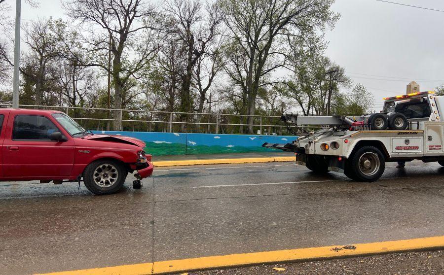 Crash between River Drive and Park Drive North