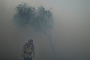 60,000 in Southern California to evacuate after blaze grows