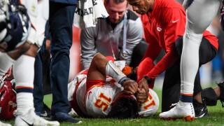 Mahomes injury-4