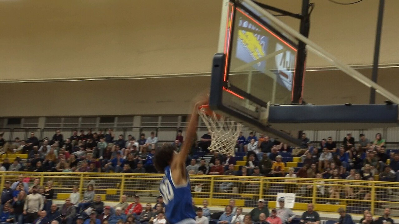 Julius Mims Eastern AA dunk