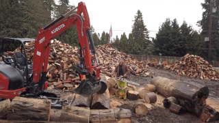 Man spends winter chopping wood to donate to those in need