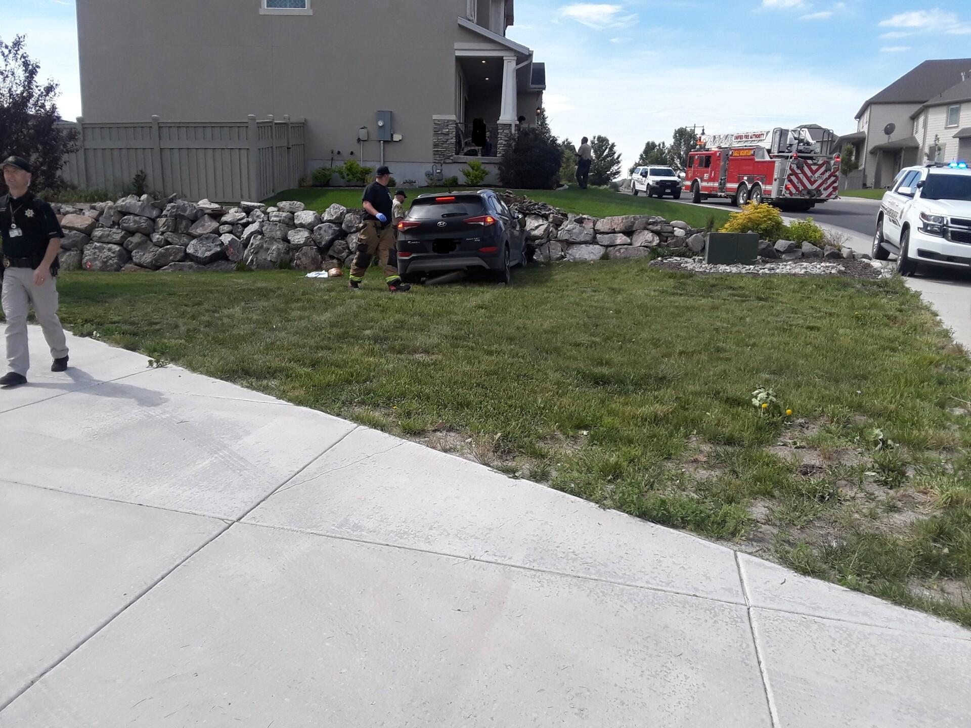 Photos: Pregnant woman seriously injured in Eagle Mountaincrash
