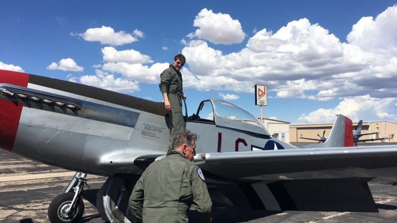 Tom Cruise makes pit stop in Marana