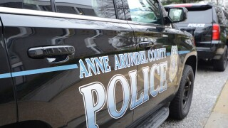 Suspects wanted in Anne Arundel armed robbery