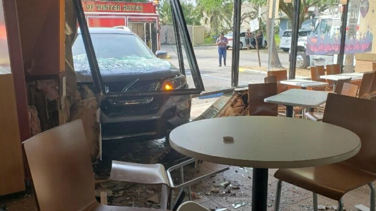 car crashes into Winter Haven Taco Bell 2