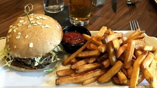 New Bru Burger Bar opens in Fort Mitchell