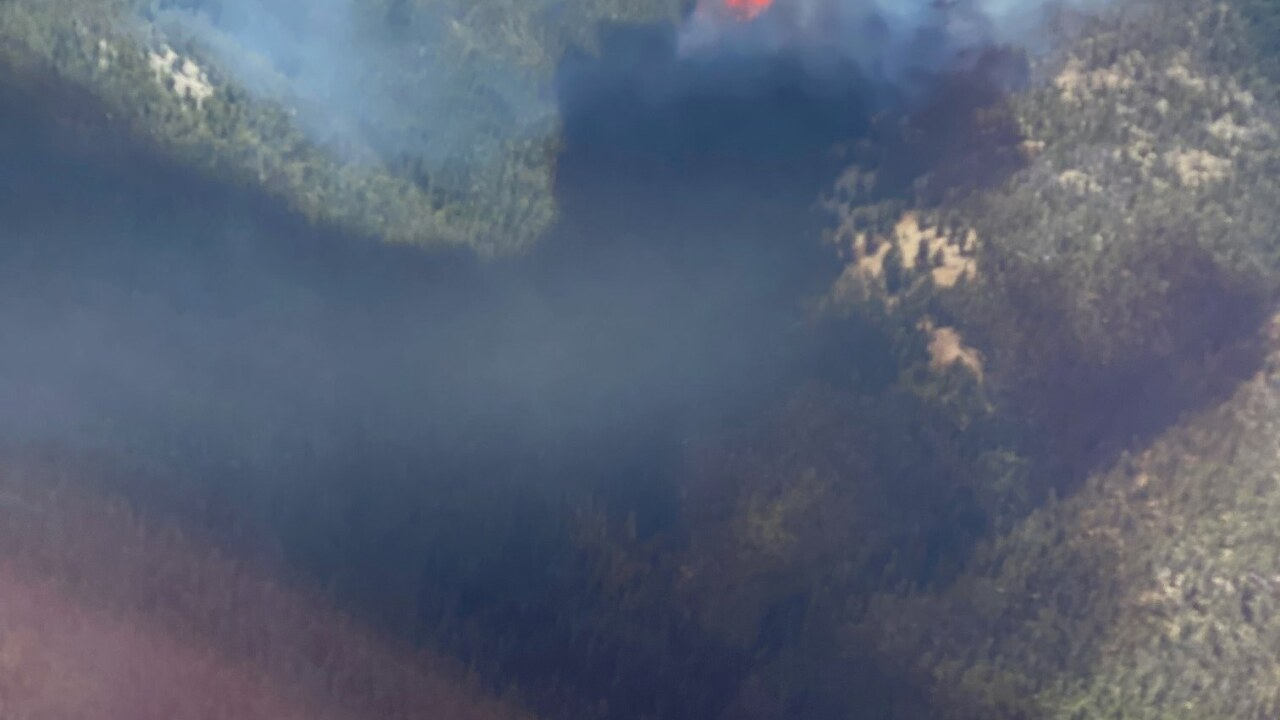 Bear Creek Fire blows up to 1,500 acres