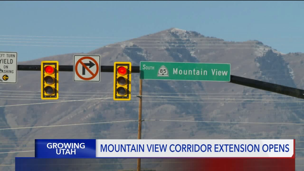 Ribbon cut on new stretch of the Mountain View Corridor