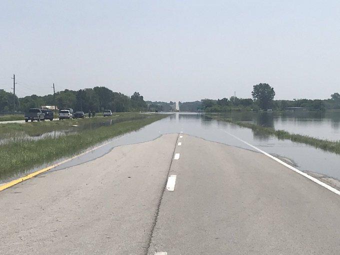 levasy US 24 highway flood3.jpg