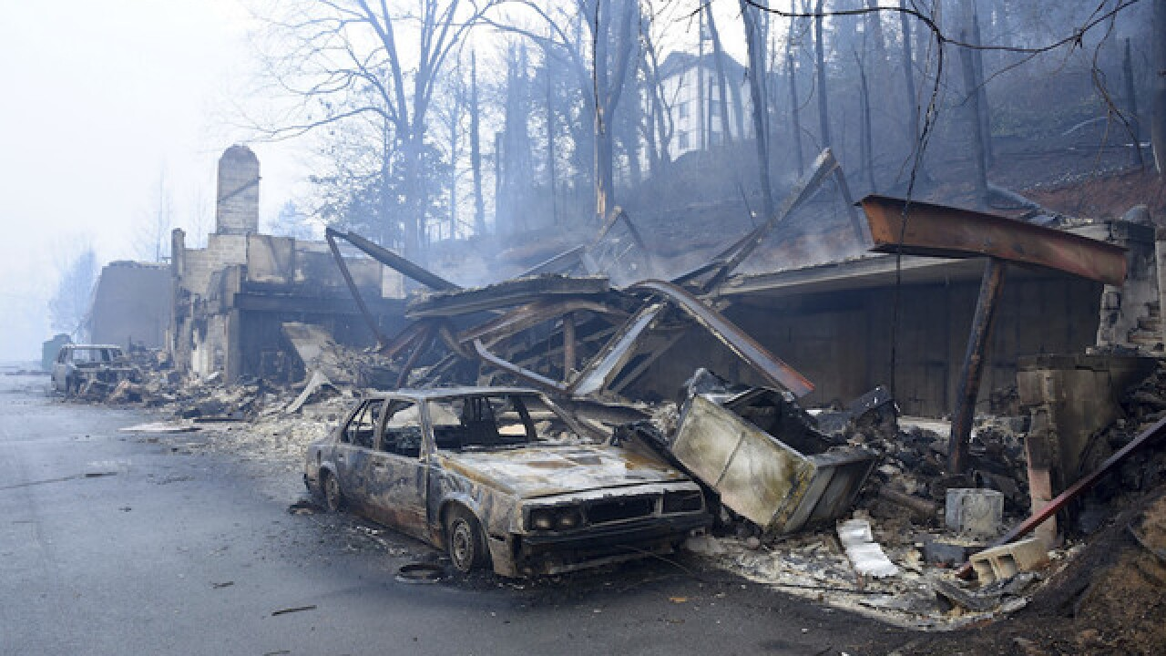 Wildfires near Gatlinburg, Tennessee kill 3