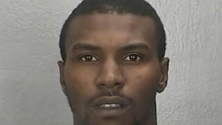 Newport News man wanted for credit card fraud,larceny