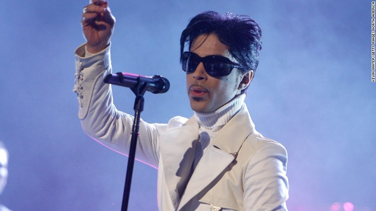 Prince might have been dead for hours before found, newspaper reports