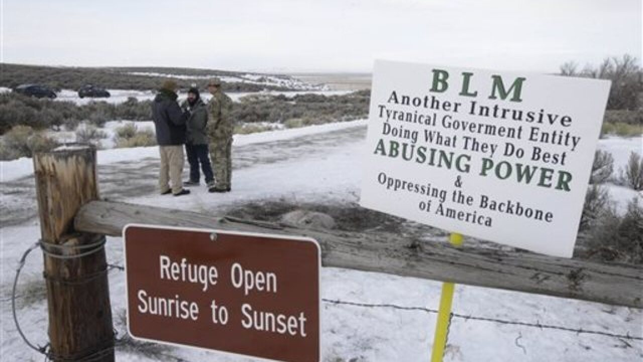 Oregon standoff goes on, residents aim for calm