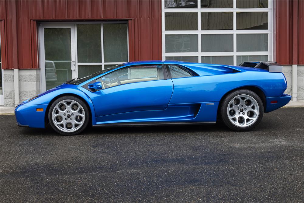 2001 Lamborghini Diablo VT 4.jpg