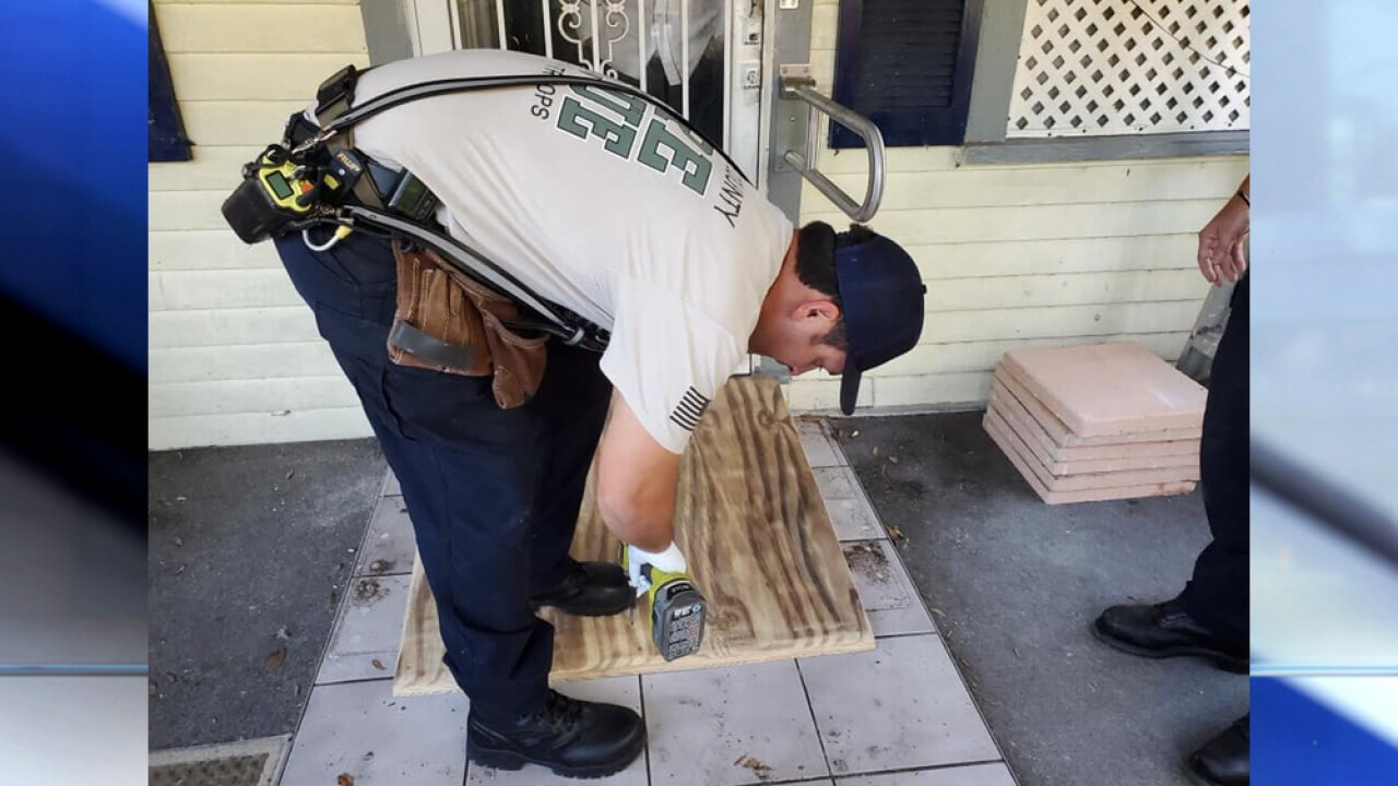 Florida firefighters build wheelchair ramp for elderly man