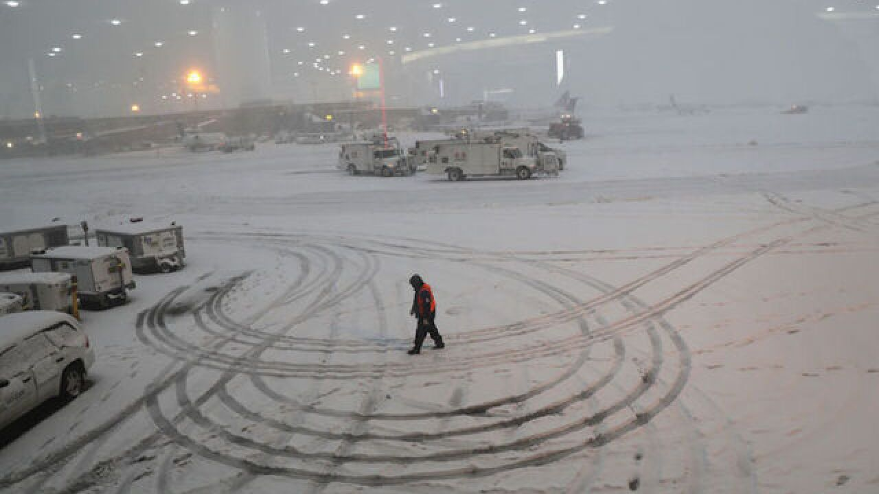 Snowstorm slams eastern US, killing 8